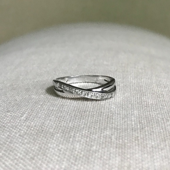 Crossed Wedding Bands.Criss Cross Pave Cz Rhodium Silver Band Ring Sz 6